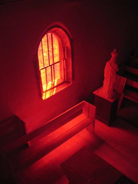 Saint Tugdual - Plougonver 2007 - fenêtre sud - éléments de mobilier et statuaire