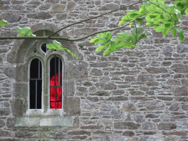 Saint Tugdual - Plougonver 2007 - fenêtre nord vue extérieure