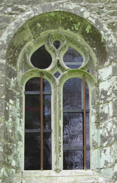 Saint Tugdual - Plougonver 2007 - maîtresse vitre vue extérieure