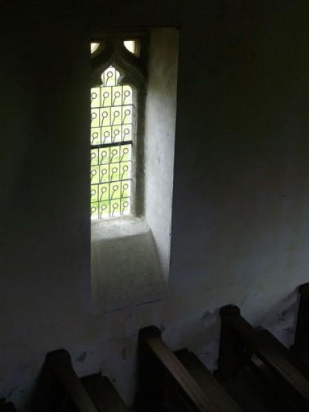 Saint Hervé - Pédernec 2011 - vue intérieure fenêtre nord-ouest
